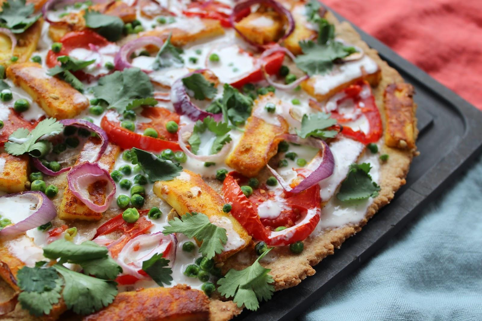 Ganz und zu Extrem Vegetarische Weltreise Indien: Paneer Tikka Pizza mit Yoghurtsauce #QB_92